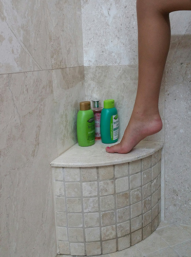 Mini Curved Shower Foot Bench